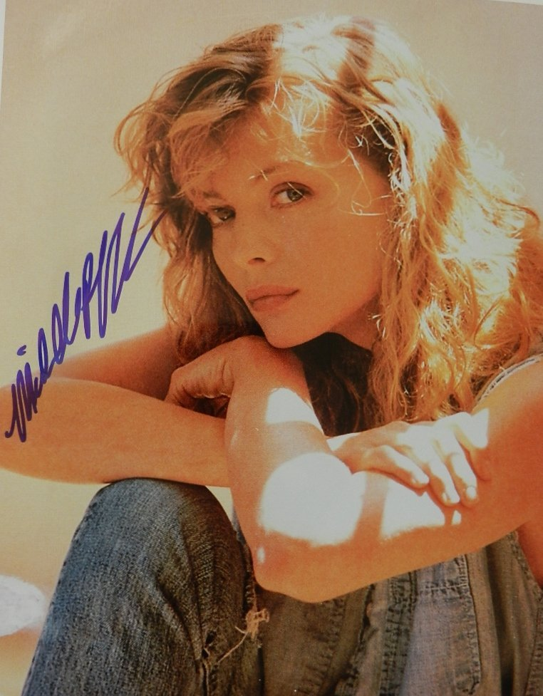 17: Michelle Pfeiffer Signed Photograph