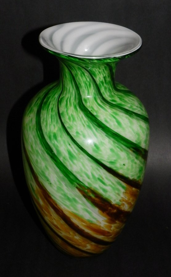 10: Murano Glass Vase