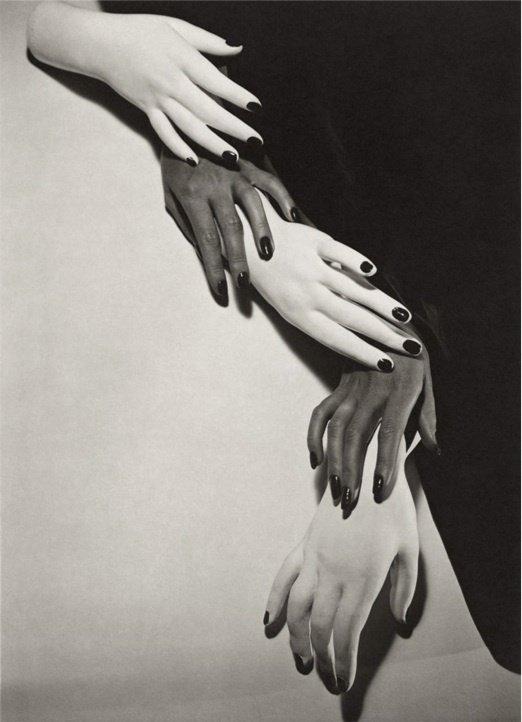 12: Horst P. Horst - Hands, 1941 - Large Photo Gravure
