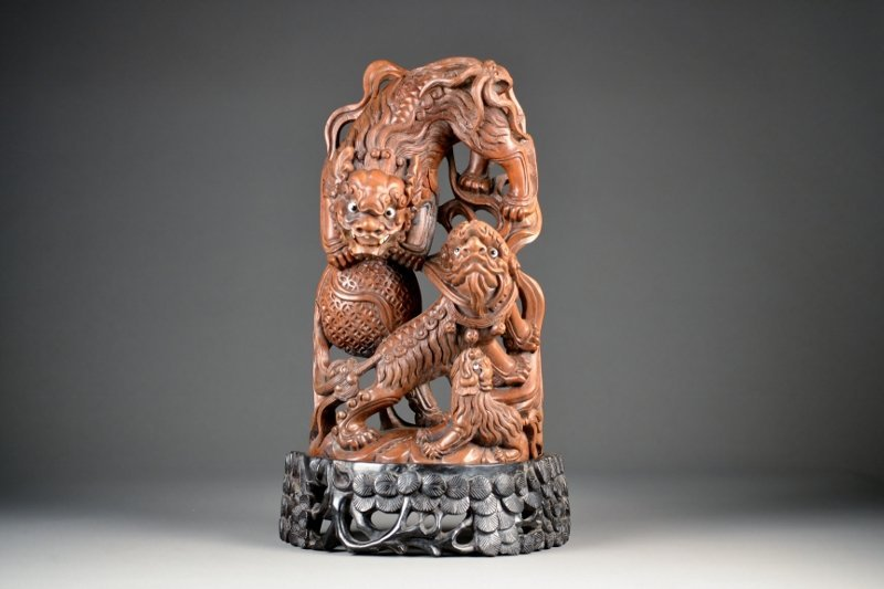 17: Boxwood Carving of Foo Dogs & Pup on highly carved