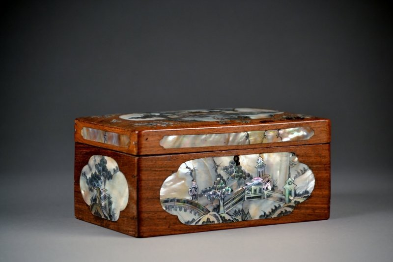 30:18c-19c  Spectacular Chinese Wooden Box