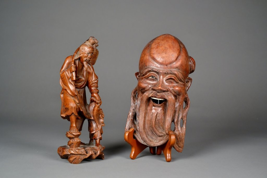 16: Pair of Wood Carvings