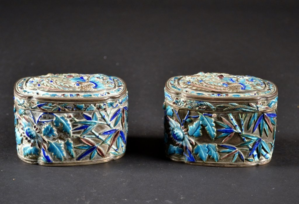"""Pair of Chinese Enameled Boxes Size : 3"""" x 4"""""""