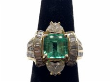 14kt Yellow Gold Heart Diamonds and Emerald Ring