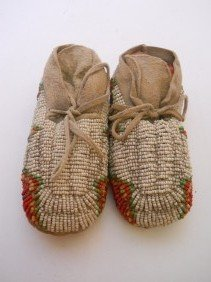 1:  SIOUX INFANT SEED BEADED MOCCASINS