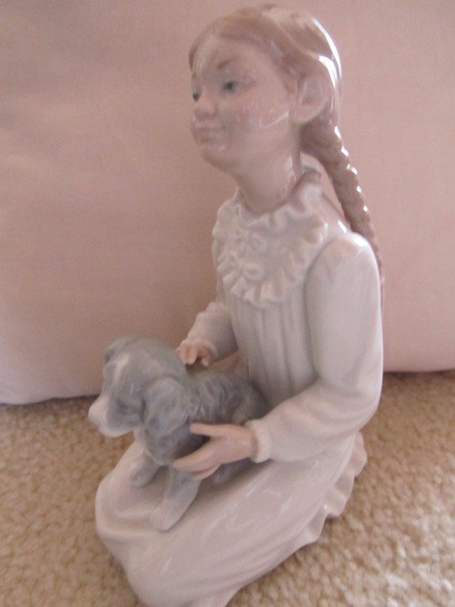 464: NAO BY LLADRO, GIRL WITH PUPPY PORCELAIN, NUMBERED