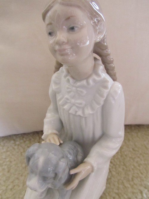 464: NAO BY LLADRO, GIRL WITH PUPPY PORCELAIN, NUMBERED - 3