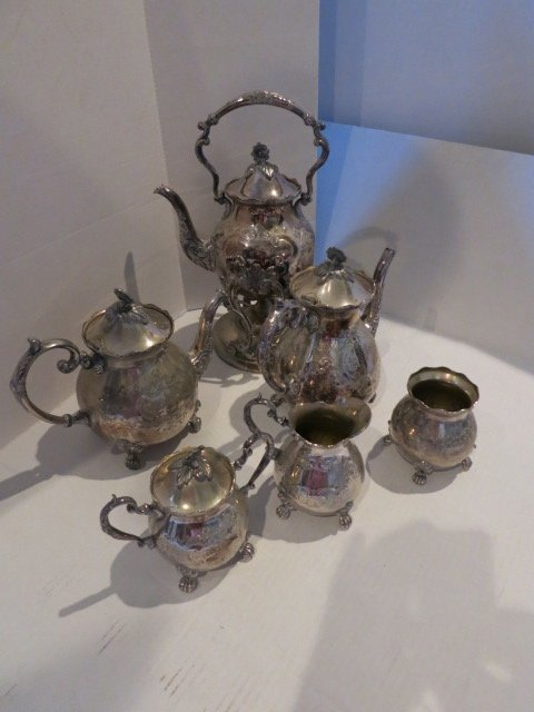 134: SET,ANTIQUE STERLING SILVER BORDER,MADE IN ENGLAND