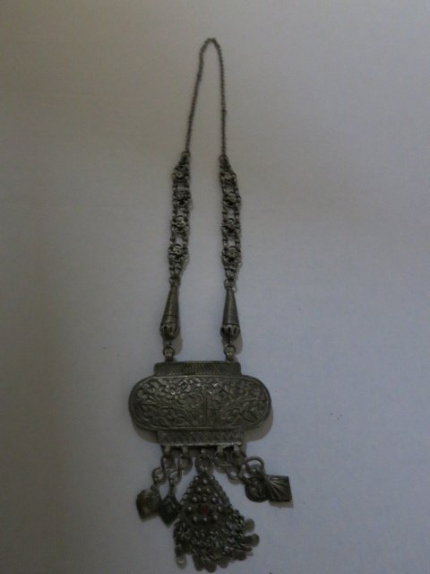 150: ANTIQUED METAL NECKLACE HAND MADE