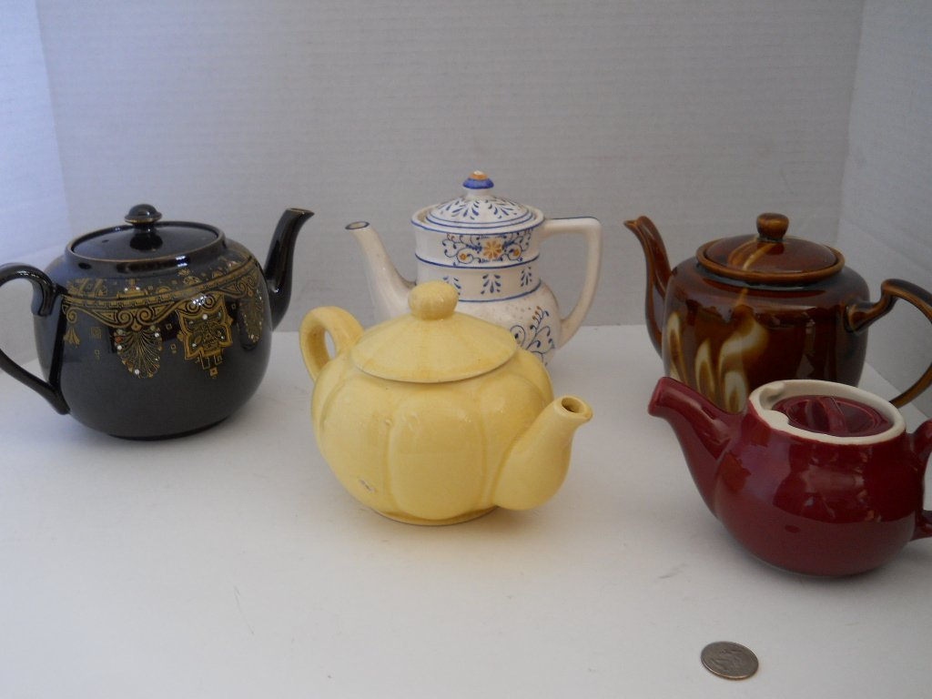 42: VINTAGE TEAPOTS, POTTERY LOT 5PC,GIBSONS ENGLAND