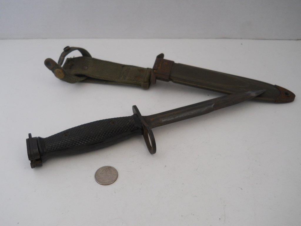152: VINTAGE ARMY KNIFE WITH SHEATH /HANDLE - 2