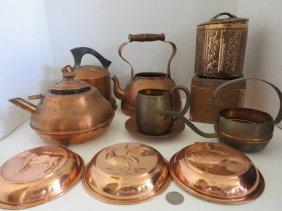 VINTAGE COPPER POTS,TEAPOTS,MIXED LOT