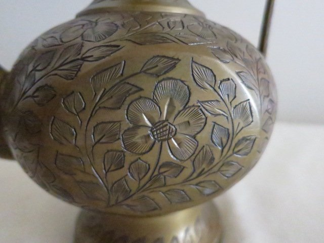 68: ANTIQUE HAMMERED BRASS TEAPOT WATER POT BY SARNABRA - 2