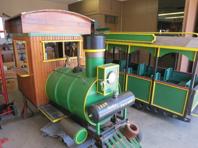 6: TRAIN/ENGINE/CAR,CHILDREN'S AMUSEMENT RIDE,GAS DRIVE