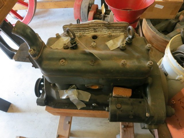 10: 1931 MODEL A ENGINE COMPLETE  MOUNTED ON CART