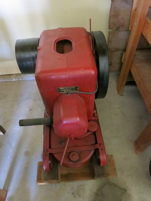 1890 MCCORMICK3-5 HP LB COMPLETE MOUNTED ON CAST