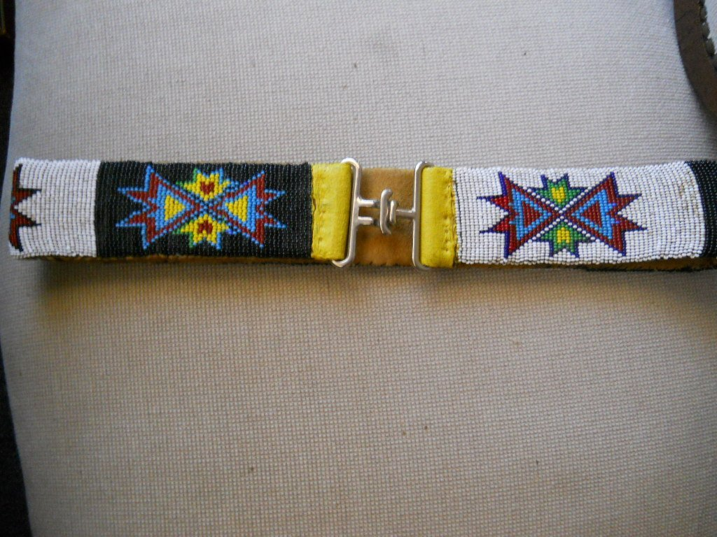 22: ANTIQUE NATIVE AMERICAN SEED BEADED BELT, 34 INCH