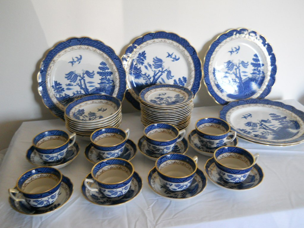 33: 48 PC BLUE WILLOW SIGNED REAL OLD WILLOW ,BOOTHS