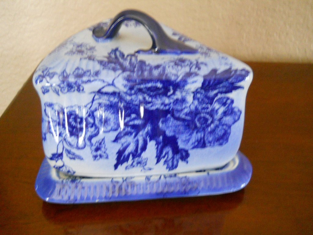 18: FLOW BLUE COVERED CHEESE/BUTTER DISH,1800s,SIGNED