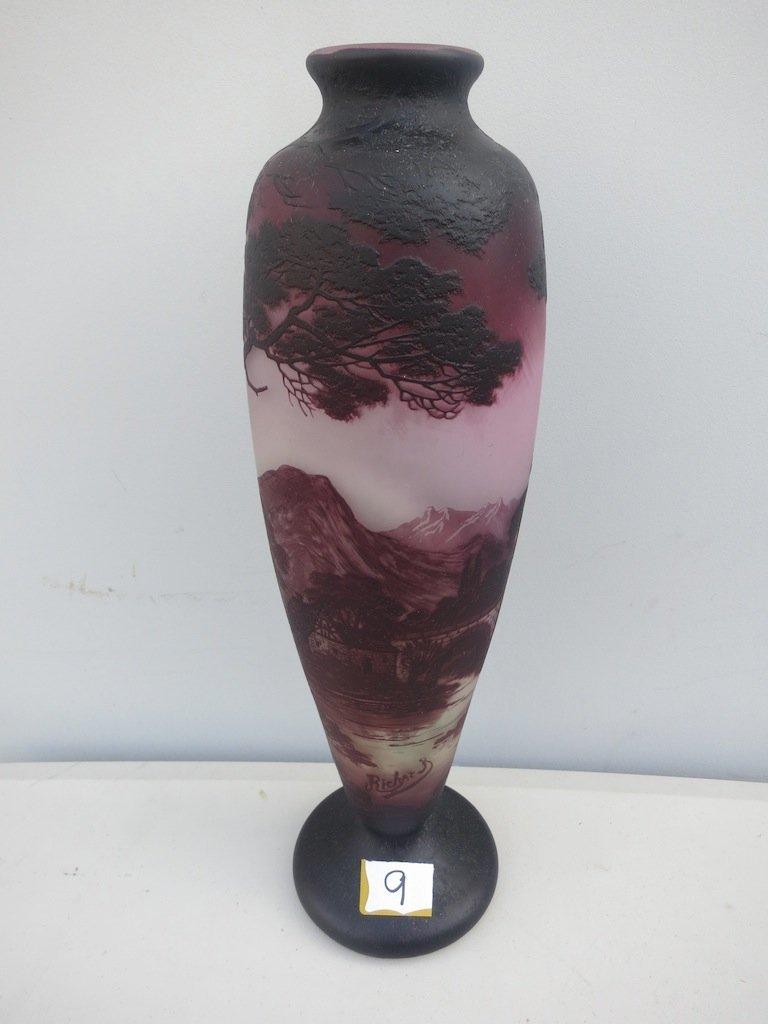 Richard Cameo Glass Art Vase
