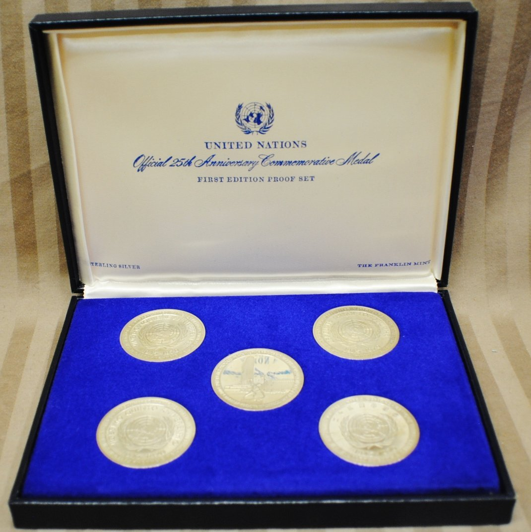 "Franklin Mint Proof set ""United Nations"", 1970. 5 Sterl"