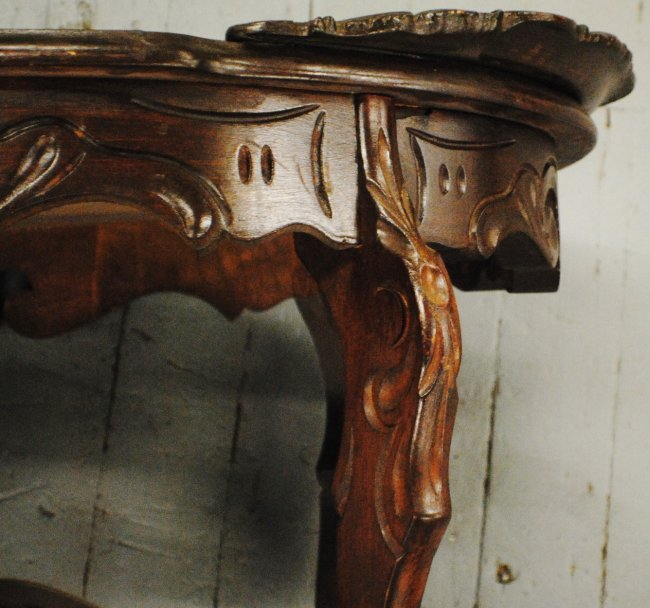 Coffee Table With Carved Eagle And Civil War Scene : Lot 269