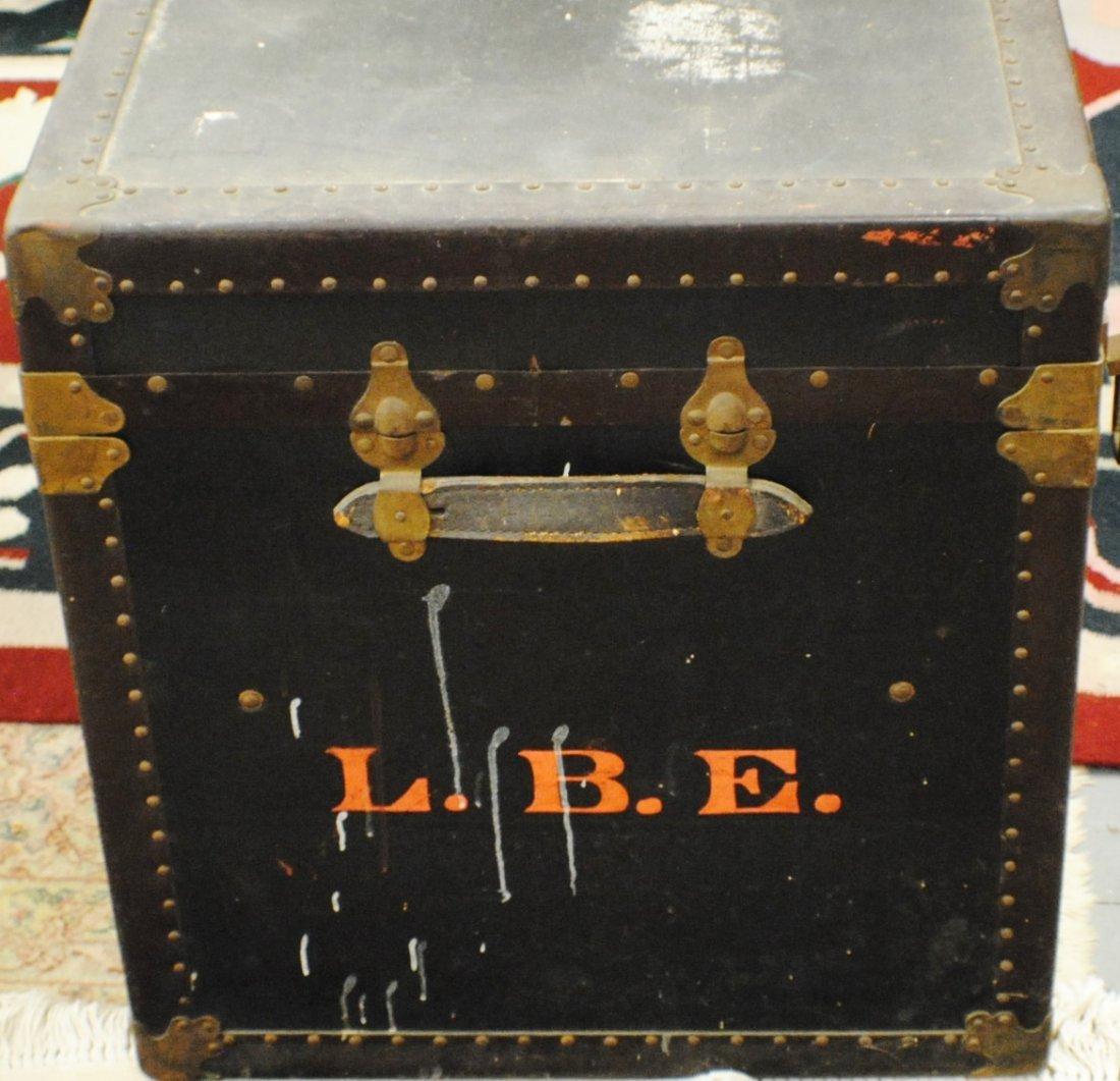 Antique R.H.Macy & Co. steamer trunk - 4