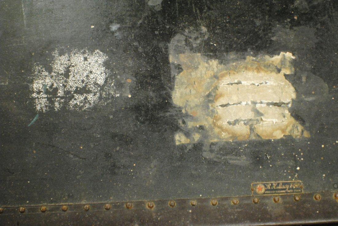 Antique R.H.Macy & Co. steamer trunk - 6