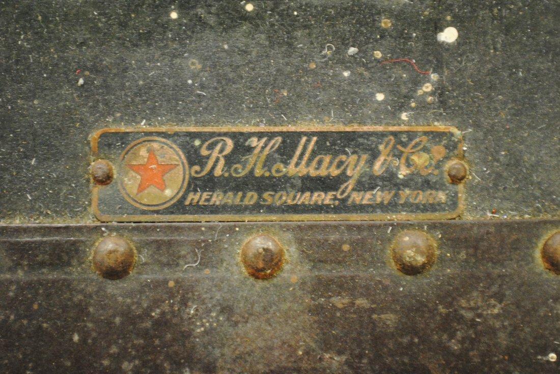 Antique R.H.Macy & Co. steamer trunk - 7