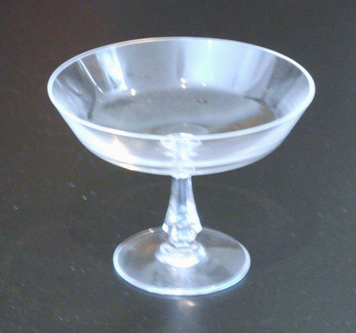 USL glass compote
