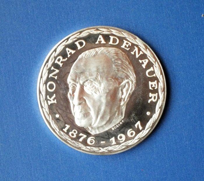 Konrad Adenauer 999.9 Silver medal