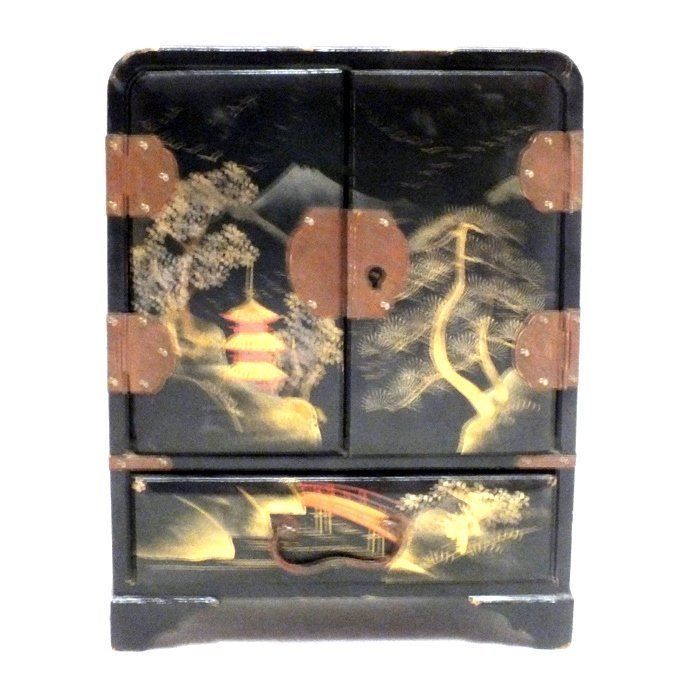 Japanese lacquered jewelry box