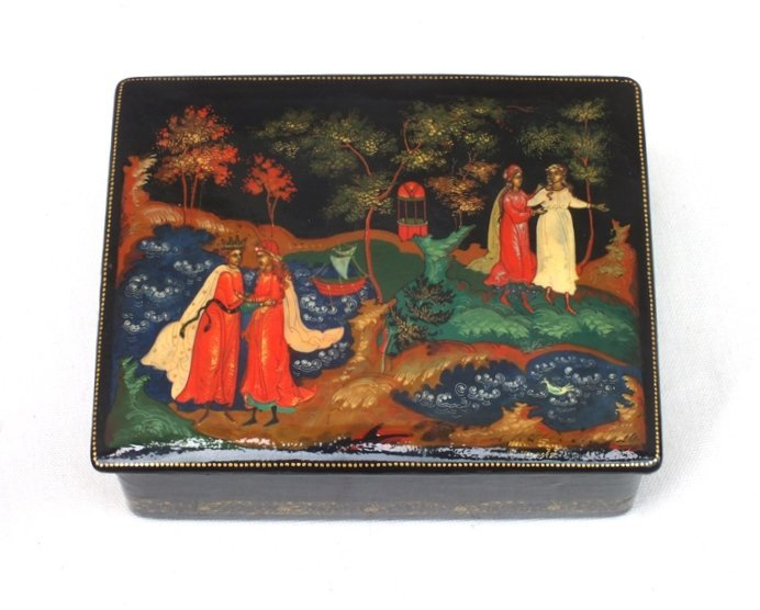 Russian Palekh 1985 lacquer  box