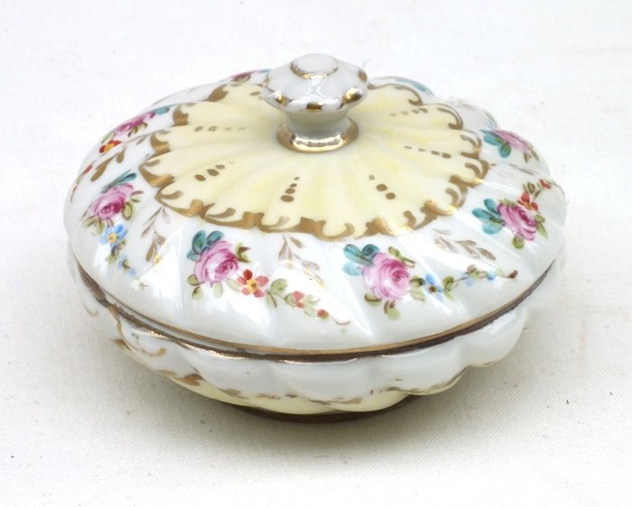 Limoges trinket box, made for Saks Fifth Avenue