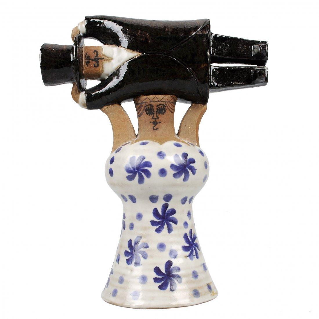 """FIGURIN, keramik, """"Samhällsdebatten"""", LISA LARSON för"""
