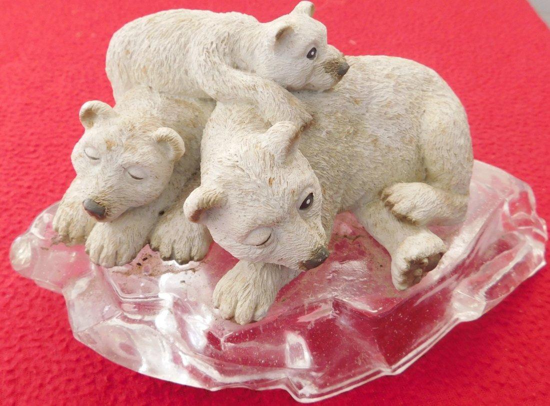 Sculpture of Polar Bear & Cubs