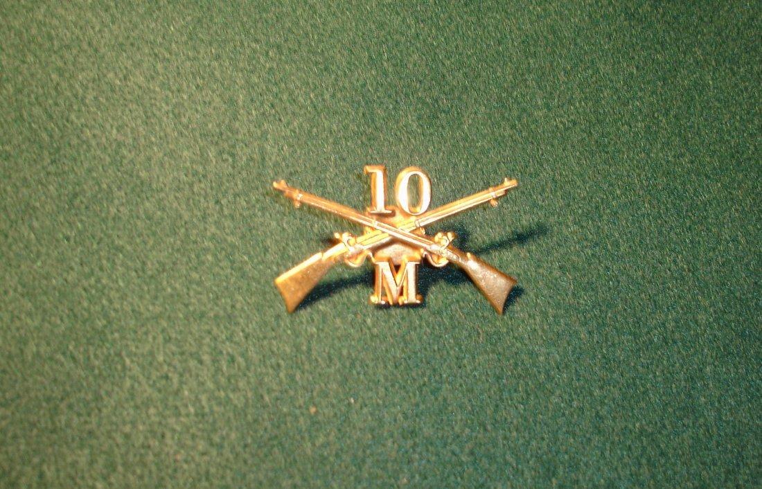 4: Crossed Rifles Screwback Pin 10 M