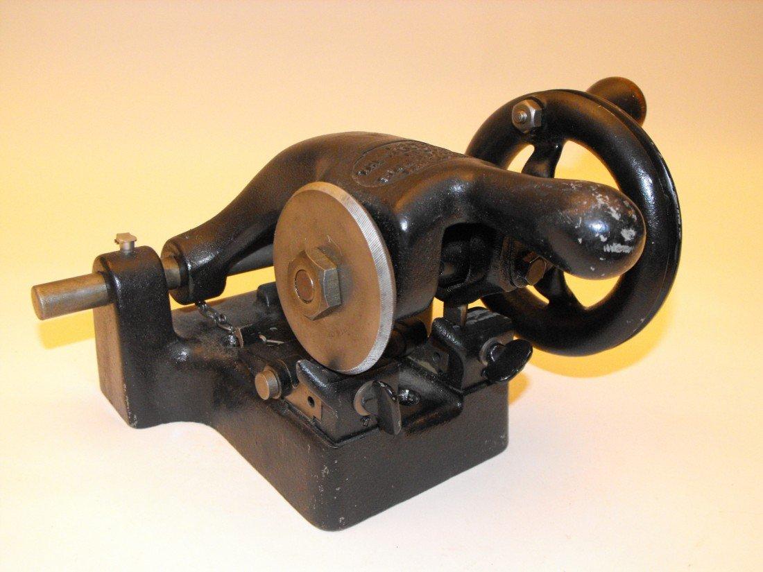 037: Key Cutting Machine - 2