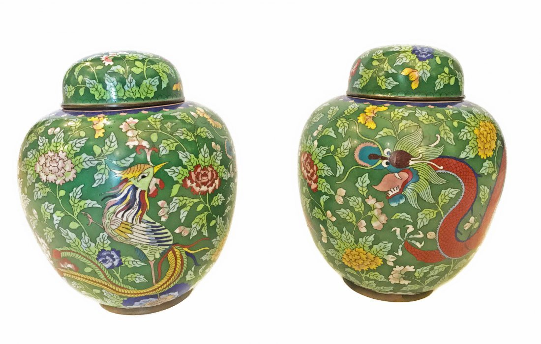 A PAIR OF CHINESE CLOISONNÉ ENAMEL GINGER JARS