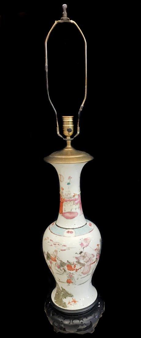 VINTAGE CHINESE PORCELAIN VASE/LAMP