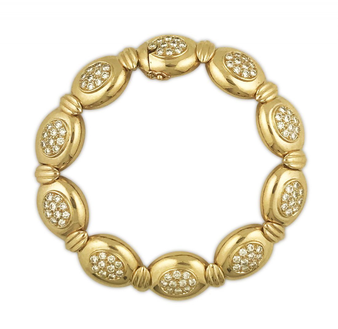 VAN CLEEF & ARPELS, GOLD AND DIAMOND BRACELET