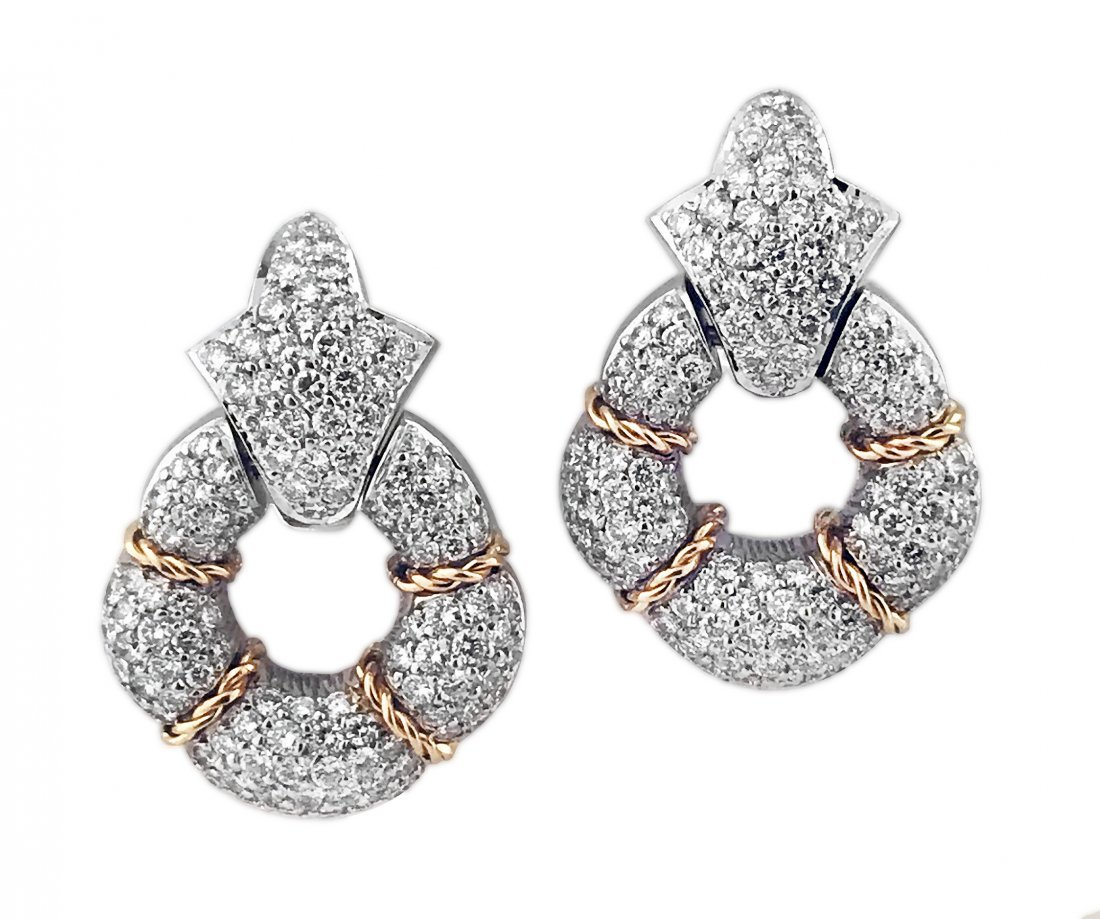FINE PAIR OF GOLD AND DIAMOND EARCLIPS