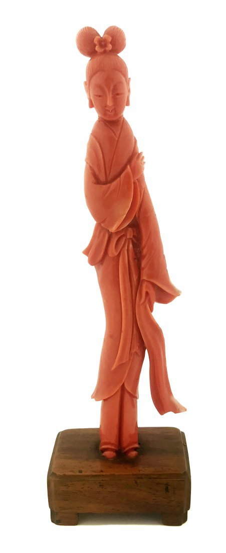 FINE CHINESE CARVED CORAL FIGURE OF KWAN YIN