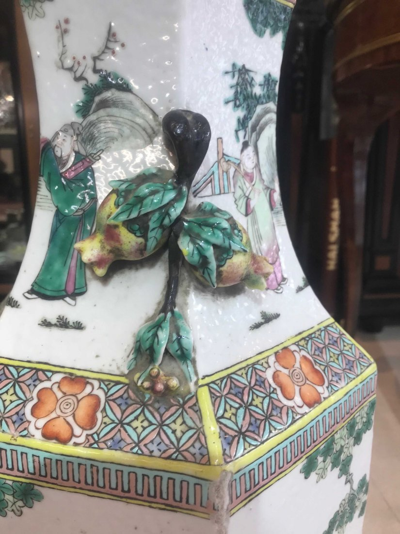 Pair of Chinese Famille Verte Porcelain Vases - 8