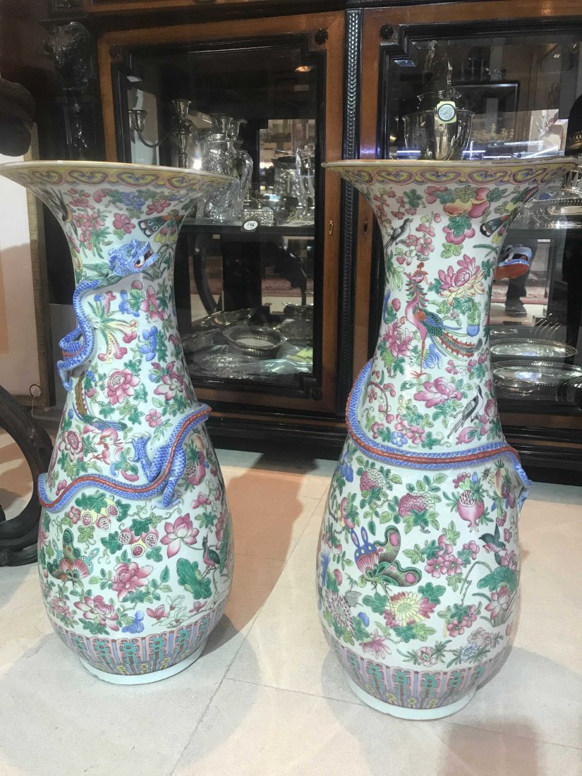 PAIR OF CHINESE PORCELAIN VASES, DAMAGED - 10