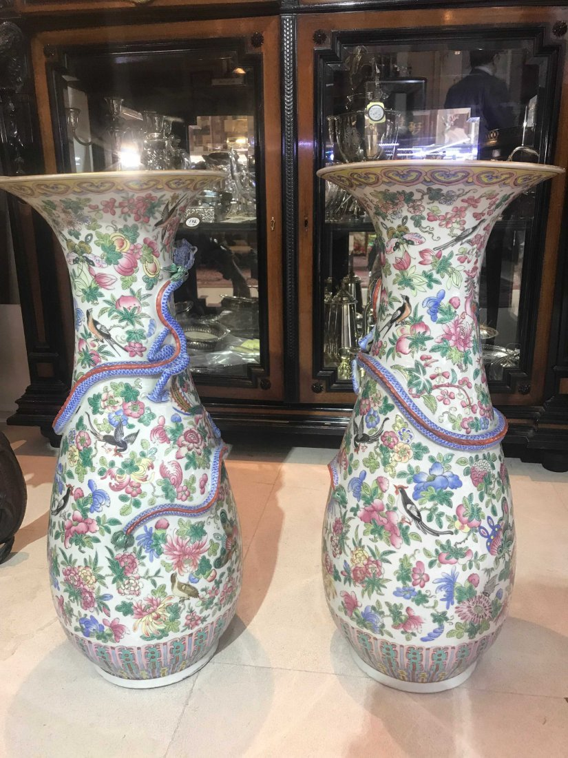 PAIR OF CHINESE PORCELAIN VASES, DAMAGED - 8