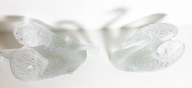 LALIQUE FRANCE, 20TH CENTURY LARGE PAIR OF SWANS - 3
