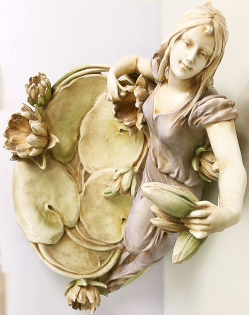 CONTINENTAL PORCELAIN GROUP OF A MAIDEN AMIDST LOTUS - 2