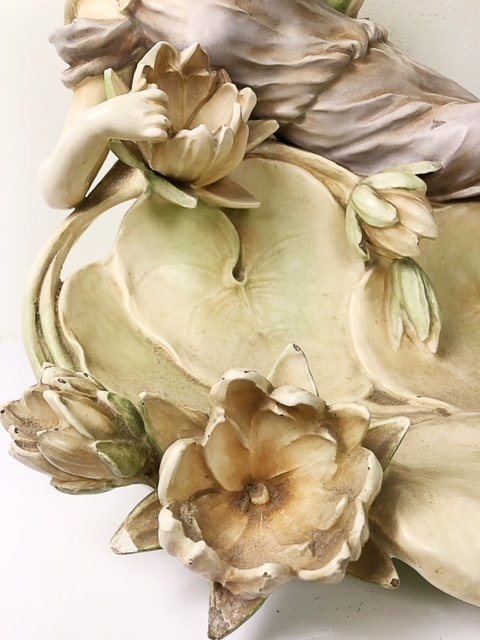 CONTINENTAL PORCELAIN GROUP OF A MAIDEN AMIDST LOTUS - 4