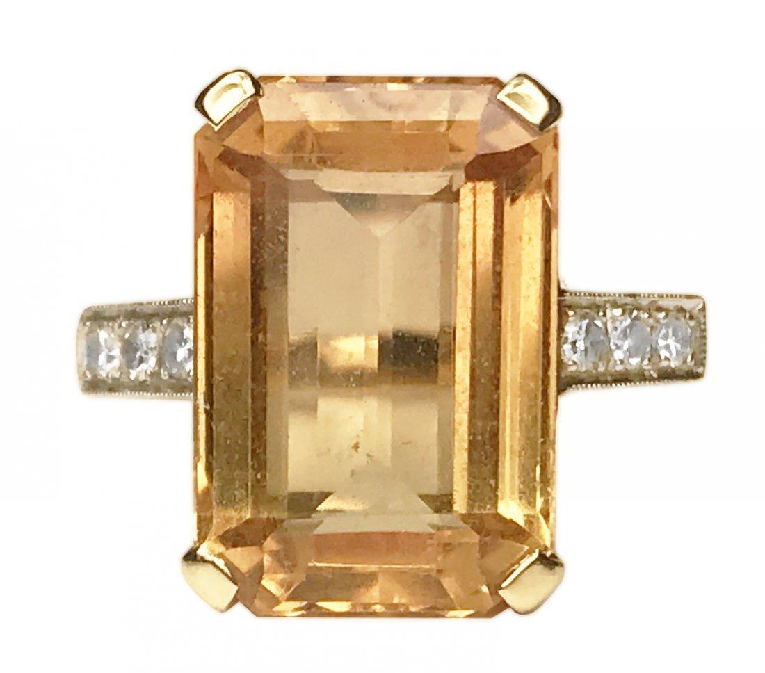 18 KARAT GOLD, TOPAZ AND DIAMOND RING